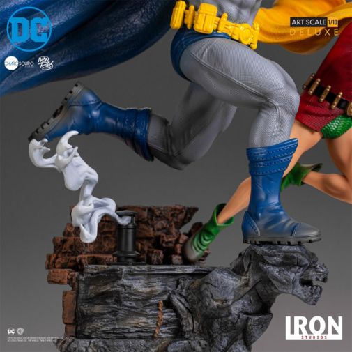 Iron Studios - Batman - Batman and Robin Diorama - 09