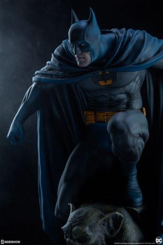 Sideshow - Batman - Premium Format Figure - 02