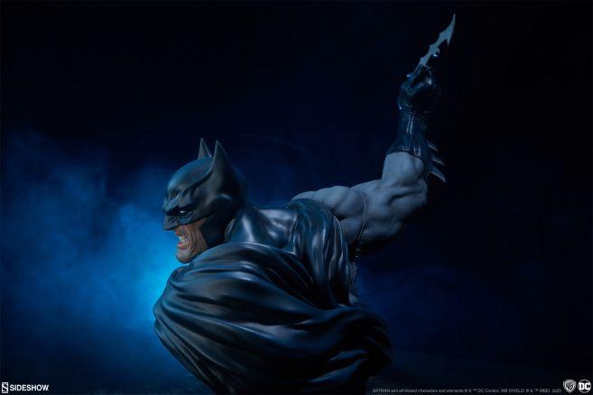 Sideshow - DC - Batman Bust - 03