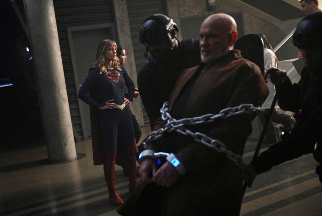 Supergirl - Season 5 - Ep 18 - 16