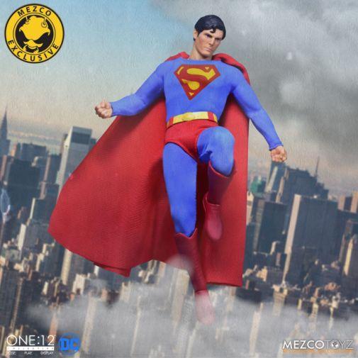 Mezco Toyz - Superman - Christopher Reeve - 01