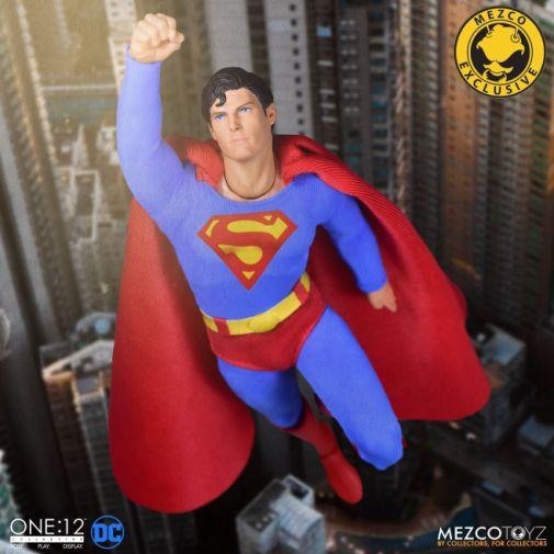 Mezco Toyz - Superman - Christopher Reeve - 02