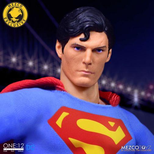 Mezco Toyz - Superman - Christopher Reeve - 04