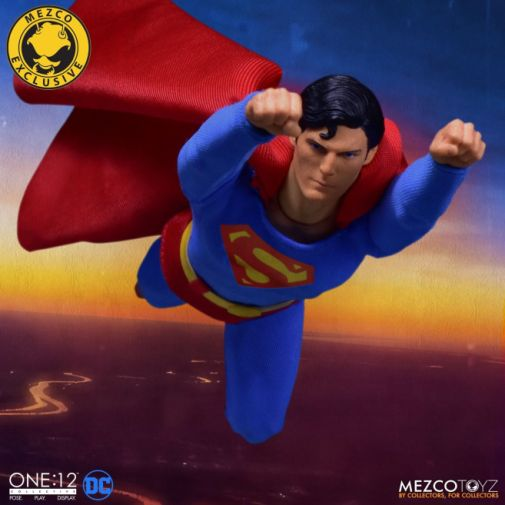 Mezco Toyz - Superman - Christopher Reeve - 05