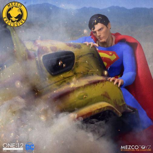 Mezco Toyz - Superman - Christopher Reeve - 06