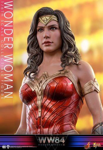 Hot Toys - Wonder Woman 1984 - 12