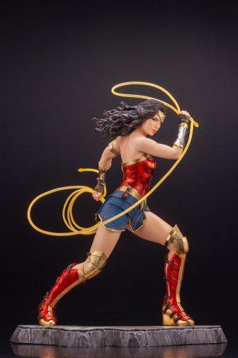 Kotobukiya - Wonder Woman 1984 - ARTFX - 05
