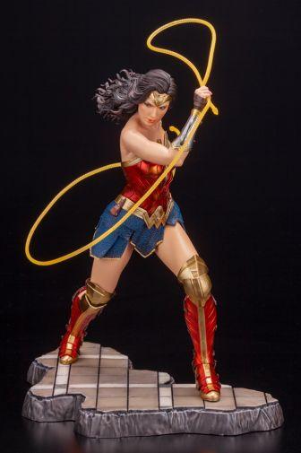 Kotobukiya - Wonder Woman 1984 - ARTFX - 06