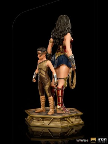 Iron Studios - DC Comics - Wonder Woman 1984 - Evolution of Wonder Woman - 06