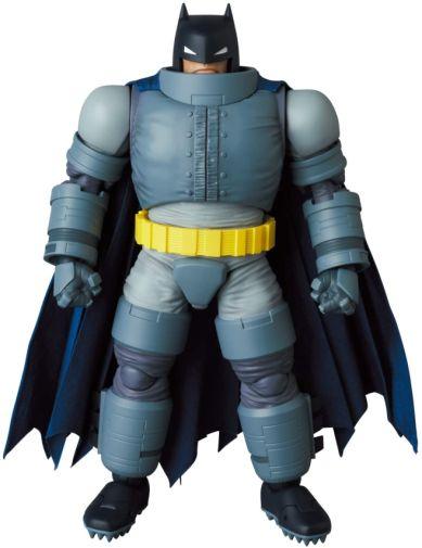 Medicom - MAFEX - The Dark Knight - Armored Batman - 01