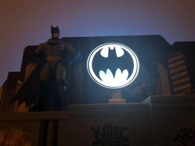 3-in-1 Batcave 9
