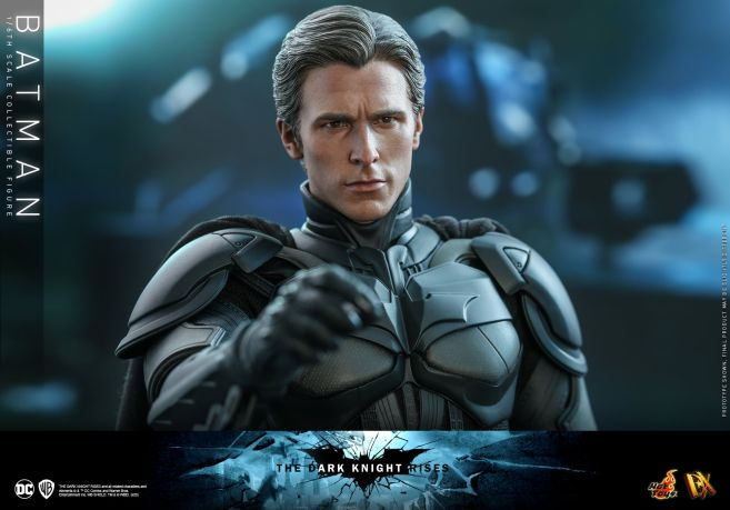 Hot Toys - The Dark Knight Rises - Batman - 02