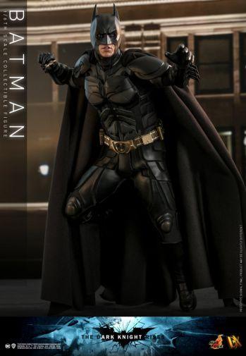 Hot Toys - The Dark Knight Rises - Batman - 08