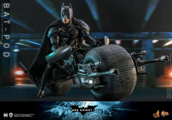 Hot Toys - The Dark Knight Rises - Batpod - 01