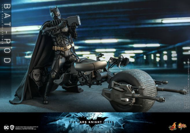 Hot Toys - The Dark Knight Rises - Batpod - 05