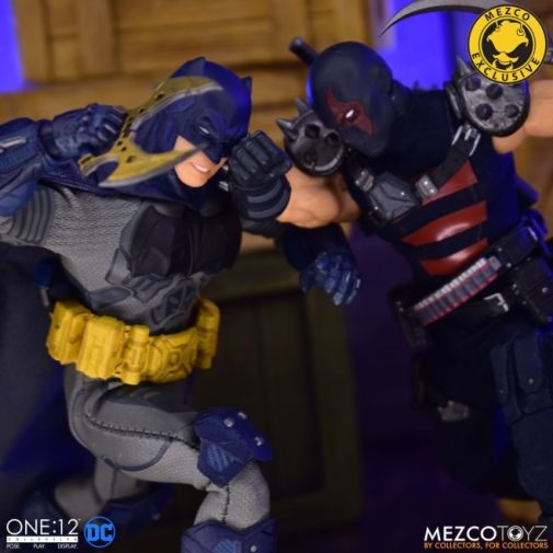 Mezco Toyz - Batman Supreme Knight - Darkest Dawn Edition - 14
