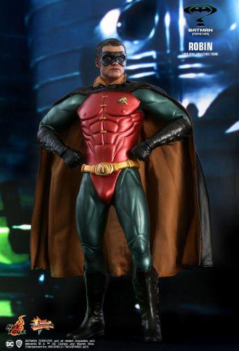 Hot Toys - Batman Forever - Robin - 06