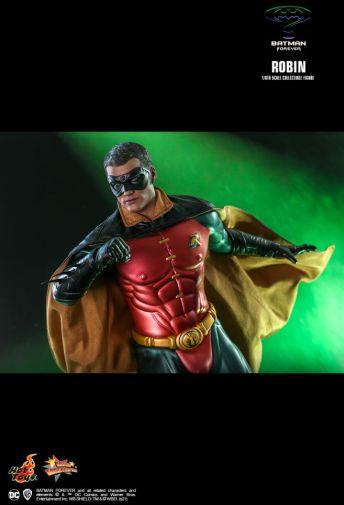 Hot Toys - Batman Forever - Robin - 09