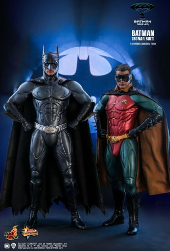 Hot Toys - Batman Forever - Sonar Suit Batman - 03