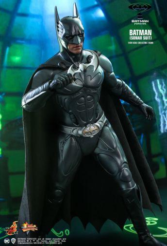 Hot Toys - Batman Forever - Sonar Suit Batman - 07