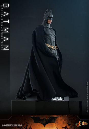 Hot Toys - Batman Begins - Batman and Batmobile - 05