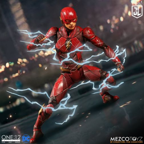 Mezco Toys - Zack Snyders Justice League - The Flash - 01
