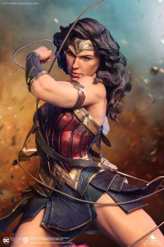 Queen Studios - Wonder Woman - 01