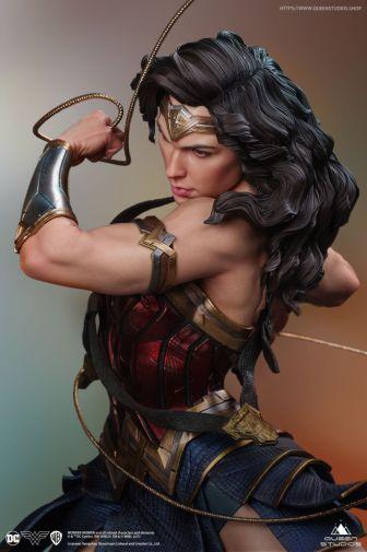 Queen Studios - Wonder Woman - 02