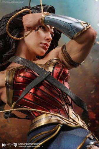 Queen Studios - Wonder Woman - 05