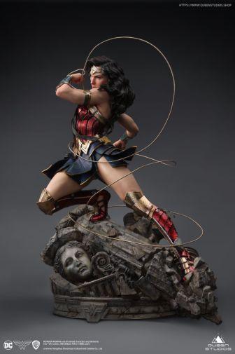 Queen Studios - Wonder Woman - 10