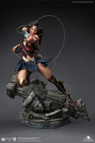 Queen Studios - Wonder Woman - 11