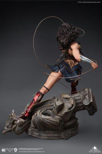 Queen Studios - Wonder Woman - 12