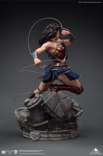 Queen Studios - Wonder Woman - 14