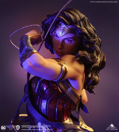 Queen Studios - Wonder Woman - 18
