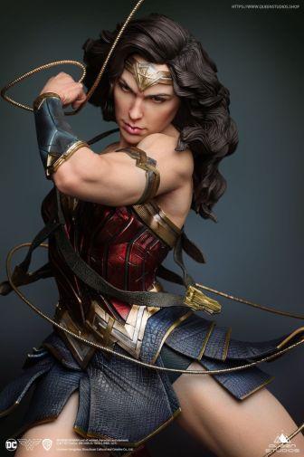 Queen Studios - Wonder Woman - 21