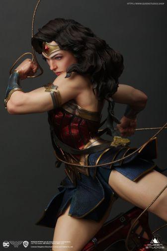 Queen Studios - Wonder Woman - 29