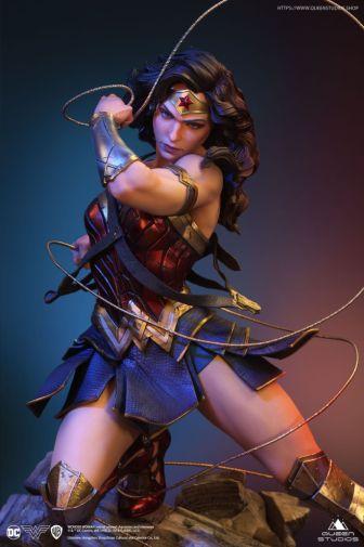 Queen Studios - Wonder Woman - 30