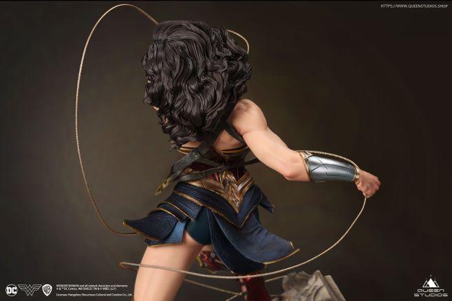 Queen Studios - Wonder Woman - 31