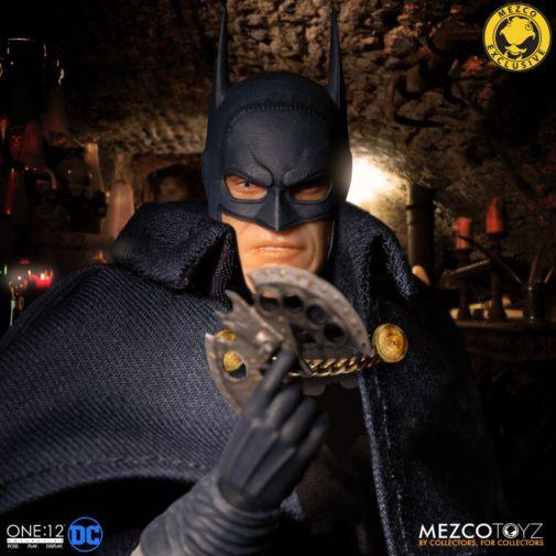 Mezco Toyz - Batman - Gotham by Gaslight - 05