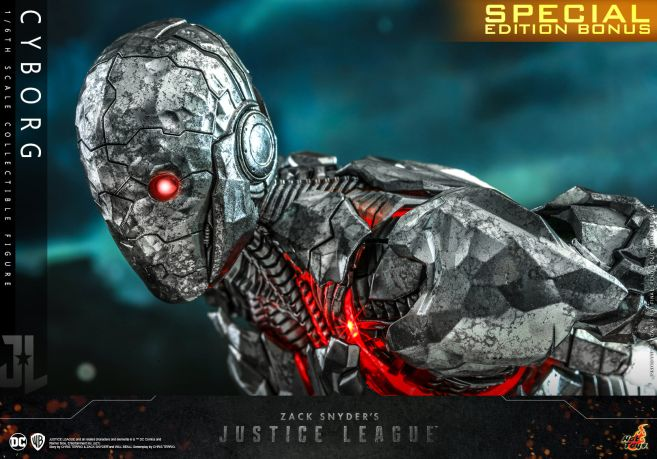 Hot Toys - Zack Snyders Justice League - Cyborg - 04