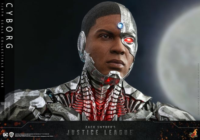 Hot Toys - Zack Snyders Justice League - Cyborg - 14
