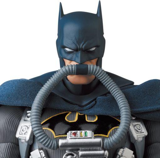 Medicom - MAFEX - Batman Hush - Jumpsuit - 07