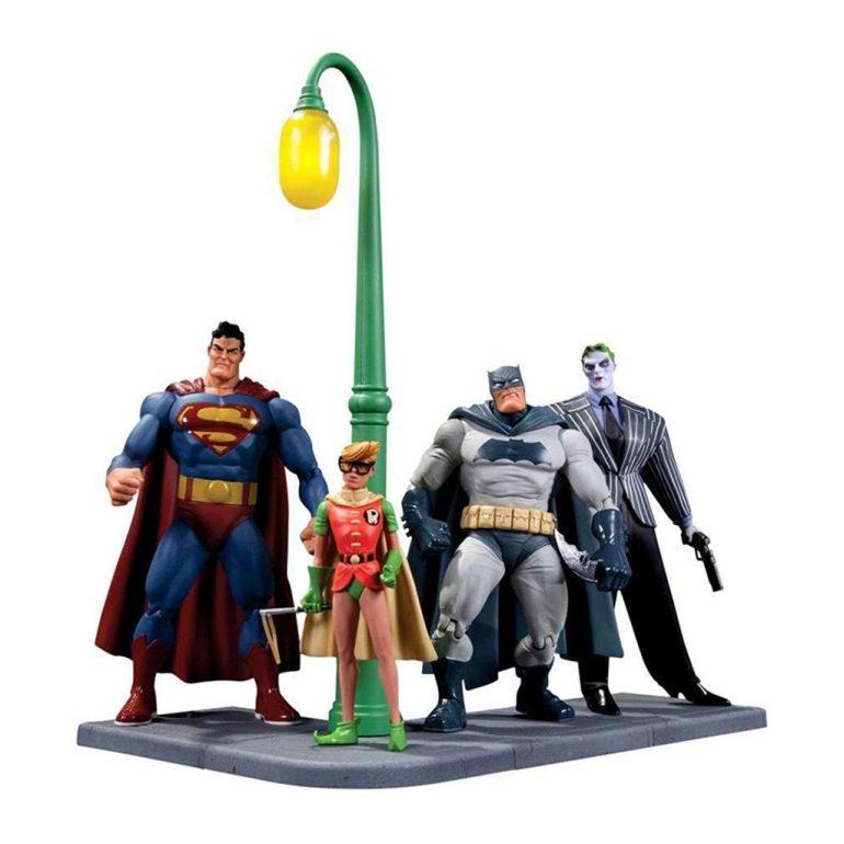 Batman the Dark Knight Returns 30th anniversary box set action figures