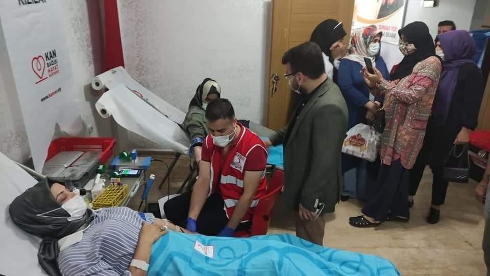AK Parti Batman İl Başkanlığından kan bağışı kampanyasına destek