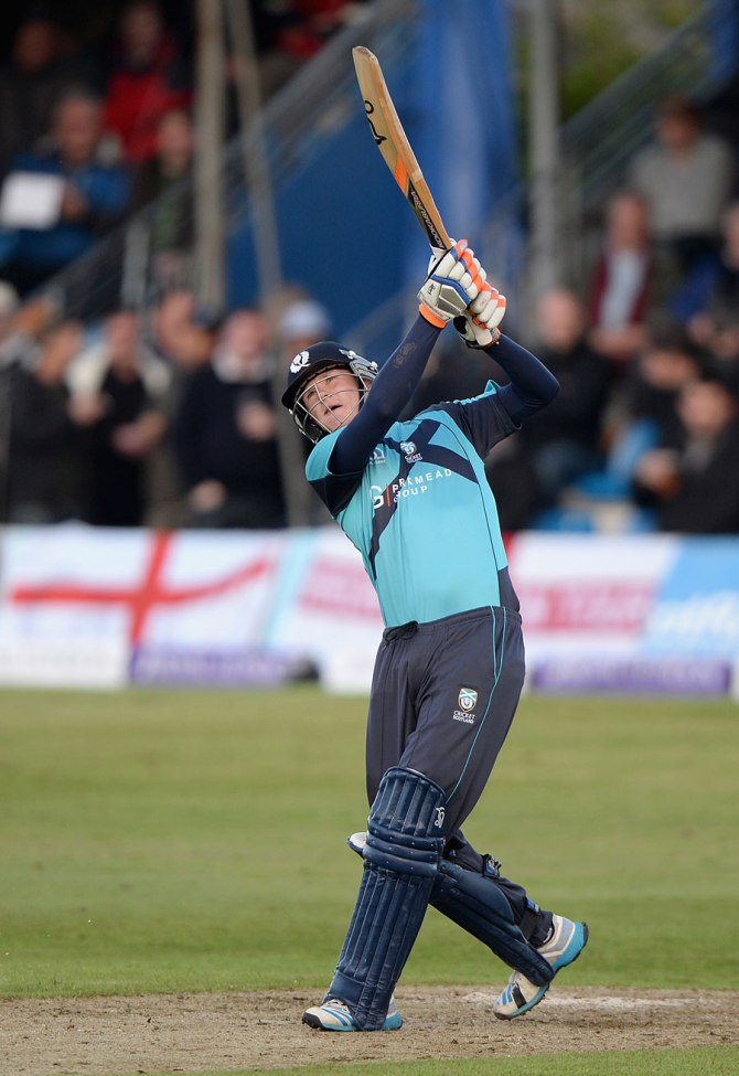 Leask hammered five sixes during his entertaining knock of 42