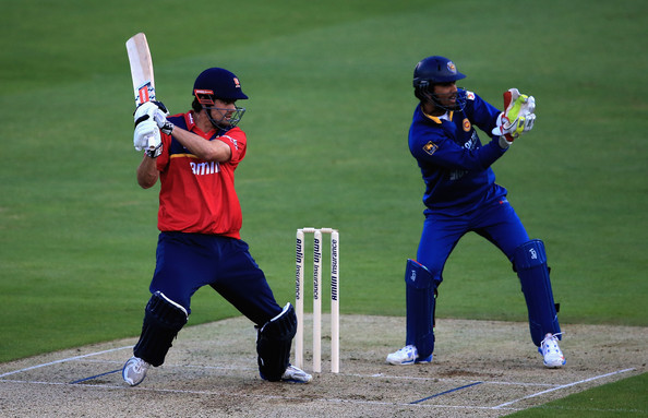 Cook blitzed his way to an entertaining 71