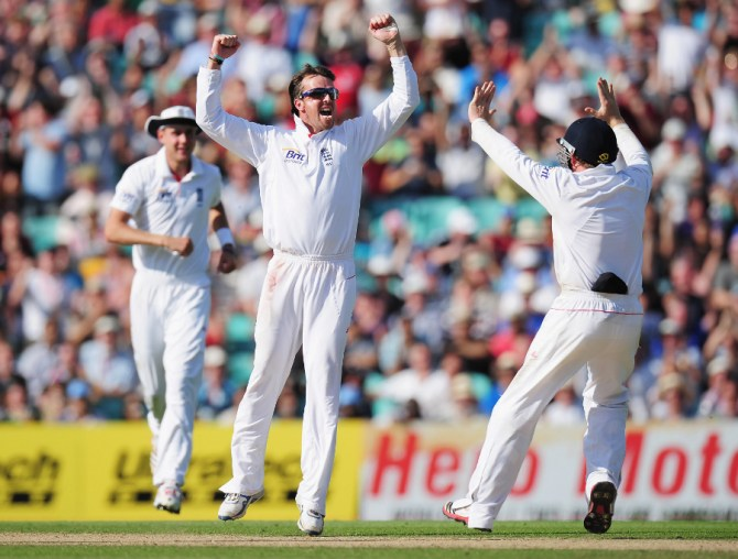 """""""Swann made Andrew Strauss's captaincy look good and he made Cook's look good too"""""""