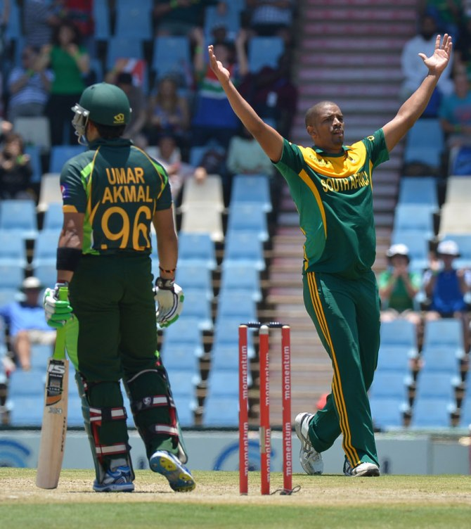 Philander will miss the tri-series due to a hamstring injury