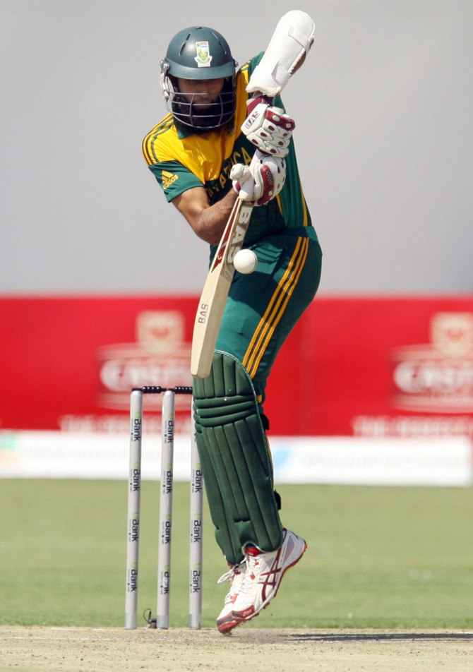 Amla ensured South Africa got off to a strong start
