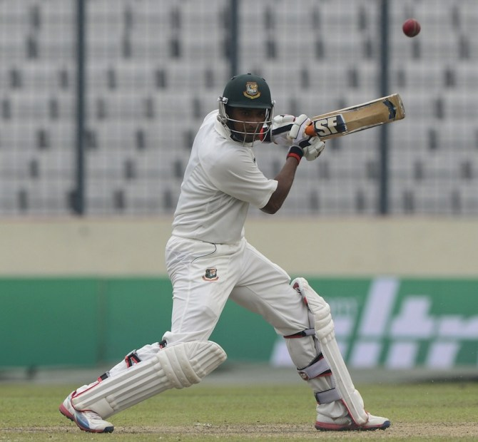 Mahmudullah hit seven boundaries and two sixes during his innings of 63